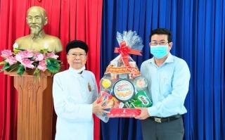 Ban Đại diện Hội thánh Cao đài Tây Ninh thăm, chúc Tết tại thị xã Trảng Bàng