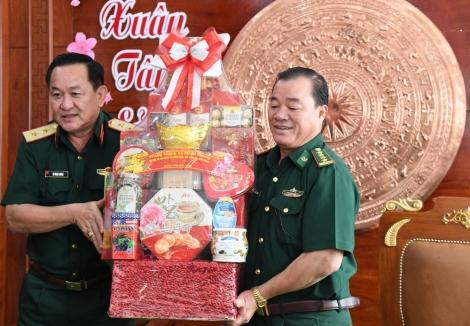 Bộ Quốc phòng thăm, chúc tết Bộ đội Biên phòng Tây Ninh