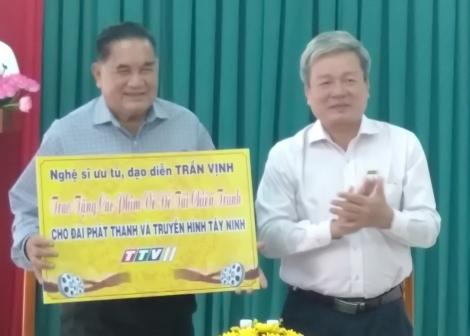Nghệ sĩ ưu tú, đạo diễn Trần Vịnh: Tặng phim về đề tài chiến tranh cho Đài PT-TH Tây Ninh