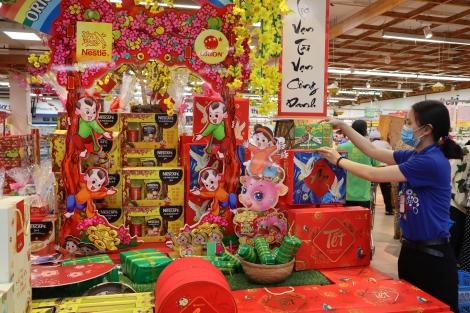 Thị trường Tết Nguyên đán Tân Sửu 2021: Siêu thị nhộn nhịp–Chợ truyền thống ảm đạm