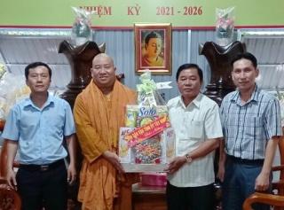 Ban Dân vận Tỉnh ủy Tây Ninh thăm, chúc tết chức sắc tôn giáo