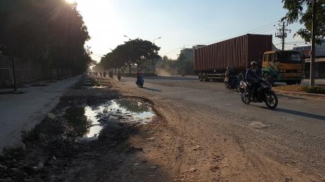Cần sửa chữa, chỉnh trang tuyến đường qua Khu chế xuất - công nghiệp Linh Trung III