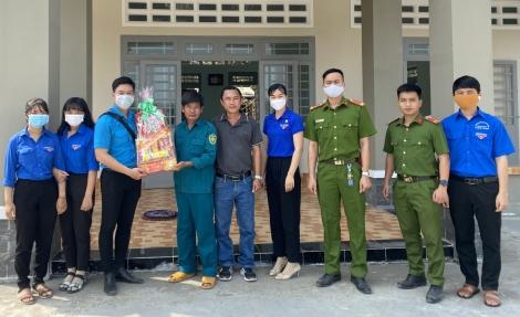 Phường đoàn Long Thành Trung tổ chức chương trình Xuân biên giới
