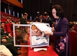 Hôm nay, Ban Chấp hành Trung ương khóa XIII bầu Bộ Chính trị, Ban Bí thư khóa mới