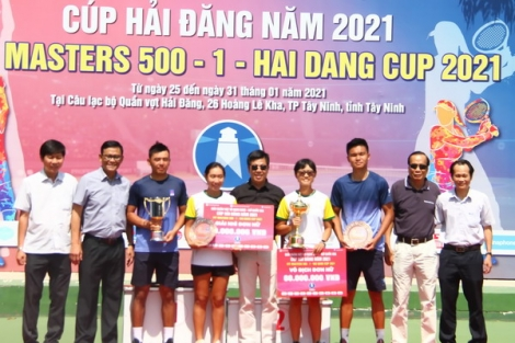 Lý Hoàng Nam giành lại ngôi vương Giải quần vợt VTF Masters 500