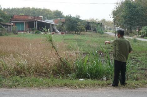 """17 năm mới phát hiện """"sổ đỏ"""" bị cấp nhầm cho thửa đất hàng xóm"""