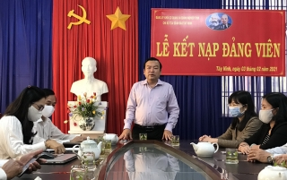 Phó Bí thư Thường trực Tỉnh uỷ: Thăm, chúc tết cán bộ, nhân viên Báo Tây Ninh