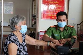 Thị xã Hòa Thành tổ chức cấp căn cước công dân gắn chíp điện tử lưu động  ở các phường, xã