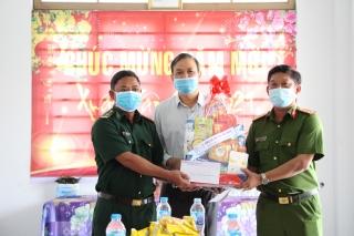 Ban Chỉ đạo 389 tỉnh thăm, tặng quà Tết cho các đơn vị