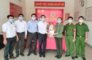 Chủ tịch UBND thị xã Trảng Bàng thăm, chúc Tết các đơn vị lực lượng vũ trang