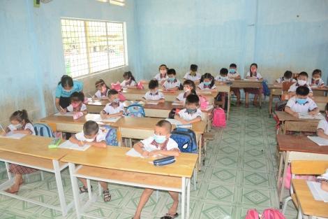 Bộ trưởng Bộ GD - ĐT phê duyệt danh mục sách giáo khoa lớp 2, lớp 6