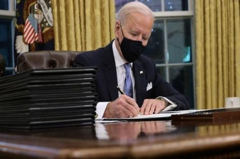 Tổng thống Biden thu hồi sắc lệnh xây dựng tường biên giới với Mexico
