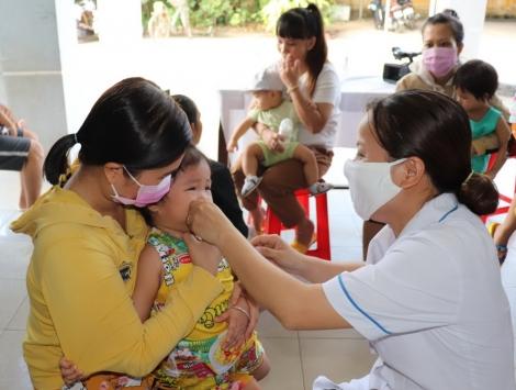 Tây Ninh: Thực hiện các chính sách hỗ trợ, khuyến khích gia đình, cặp vợ chồng sinh đủ hai con, phụ nữ sinh con thứ hai trước 35 tuổi.