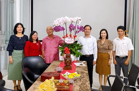 Bí thư Thành ủy Nguyễn Hồng Thanh thăm một số doanh nghiệp tiêu biểu đầu năm mới