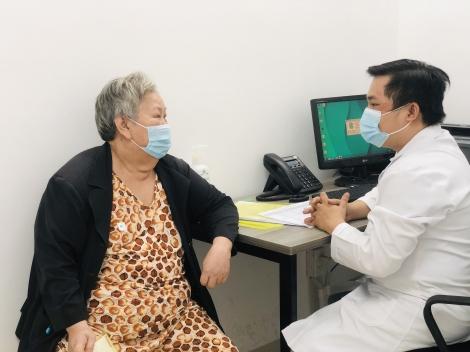 Tổ chức trải nghiệm khám và điều trị phục hồi chức năng miễn phí