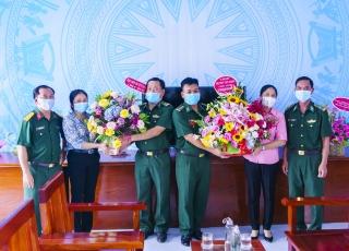 Lãnh đạo Tân Châu thăm, chúc mừng các đồn Biên phòng