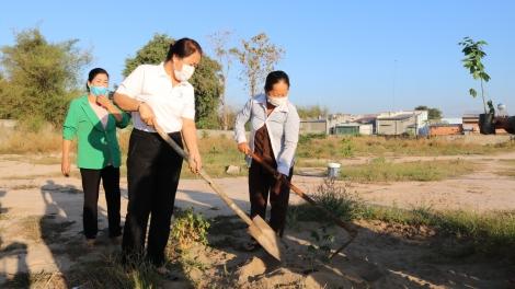 """Gò Dầu: Phát động Tết trồng cây """"Vun trồng tương lai - Vì lợi ích mười năm trồng cây, vì lợi ích trăm năm trồng người"""""""