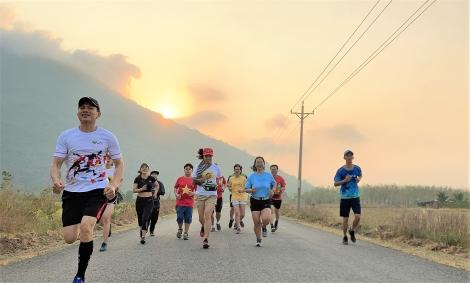 Tây Ninh tổ chức Giải chạy marathon núi Bà Đen lần thứ I năm 2021