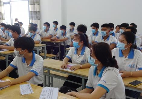 Trường trung cấp Á Châu tổ chức chương trình tư vấn giới thiệu việc làm