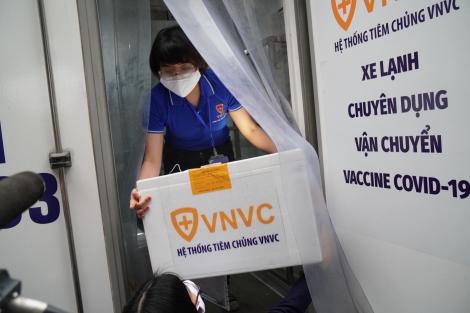 TRỰC TIẾP bắt đầu tiêm vaccine COVID-19: Thông cáo báo chí của Bộ Y tế