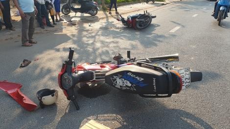 Bất ngờ quay đầu xe gây tai nạn giao thông
