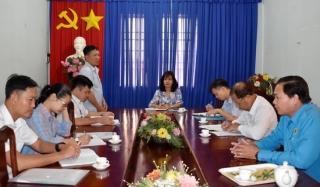 Ban Tuyên giáo Tỉnh ủy kiểm tra công tác tuyên truyền phục vụ bầu cử tại Dương Minh Châu