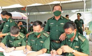 Tiêm vaccine phòng Covid-19 cho chiến sĩ biên phòng toàn tuyến biên giới