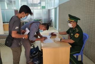 Một bệnh nhân Covid-19 điều trị tại Campuchia tái dương tính khi về Việt Nam