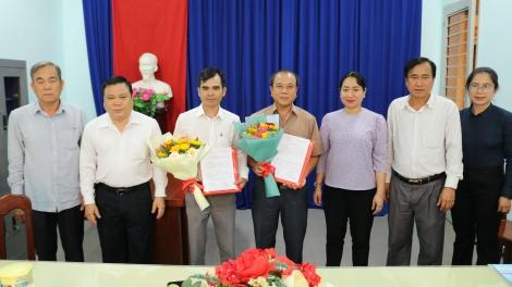 Gò Dầu công bố các Quyết định về công tác cán bộ.