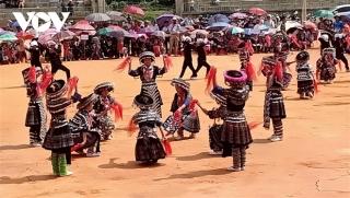 Chiêm ngưỡng màn múa khèn, múa khăn tuyệt đẹp của học sinh Mù Cang Chải