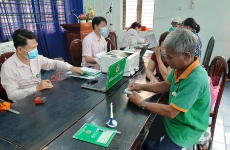 Ngân hàng chính sách xã hội huyện Bến Cầu giải ngân 14,7 tỷ đồng cho 329 hộ vay phát triển kinh tế gia đình