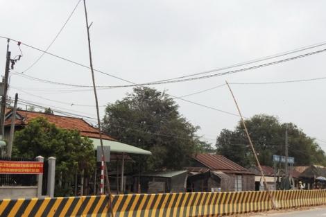 Tân Hoà: Nguy cơ mất an toàn về điện trên đường ĐT795