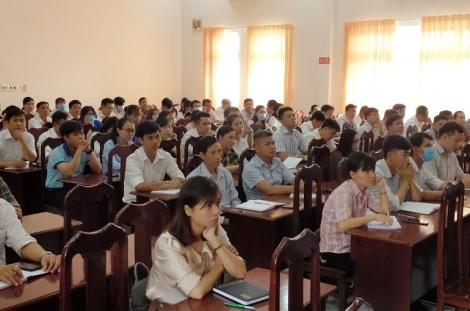 Đảng ủy khối Cơ quan và Doanh nghiệp tỉnh: Khai giảng lớp bồi  dưỡng LLCT cho đối tượng kết nạp Đảng đợt 1/2021