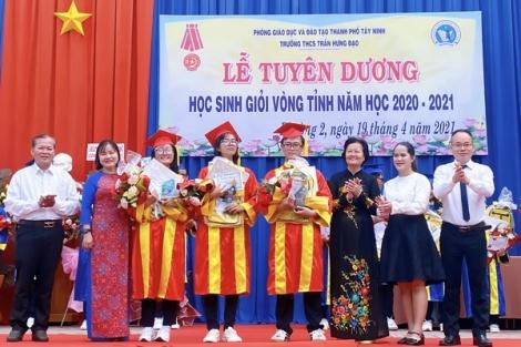 Trường THCS Trần Hưng Đạo tuyên dương 32 học sinh giỏi vòng tỉnh