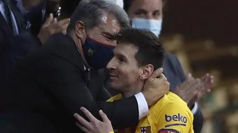 Báo Tây Ban Nha: 'Messi từ bỏ ý định rời Barca'