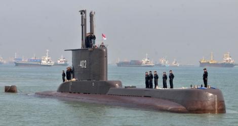 Tàu ngầm Indonesia có thể chìm sâu 700 m