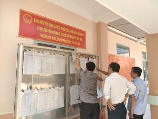 Trảng Bàng niêm yết danh sách cử tri tại các khu vực bỏ phiếu