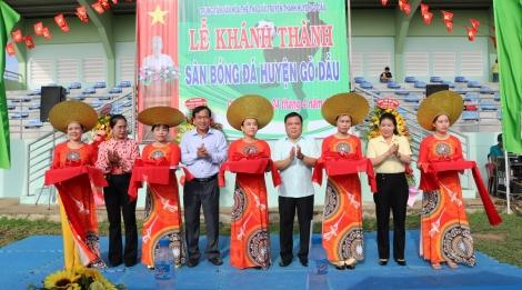 Gò Dầu khánh thành sân bóng đá huyện