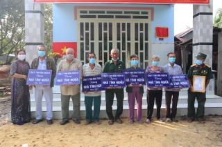 Tân Châu: Bàn giao 8 căn nhà tình nghĩa