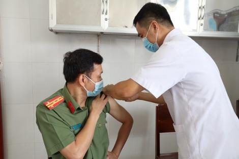 Tiêm vaccine phòng dịch Covid-19