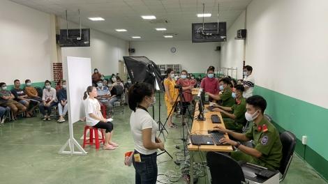 Cấp CCCD có gắn chip cho công nhân Công ty TNHH Pou Hung Việt Nam