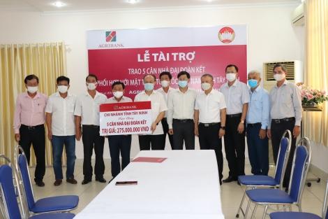 Agribank chi nhánh Tây Ninh: Tài trợ 5 căn nhà đại đoàn kết