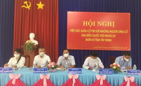 Ứng cử viên ĐBQH tiếp xúc cử tri Hoà Thành