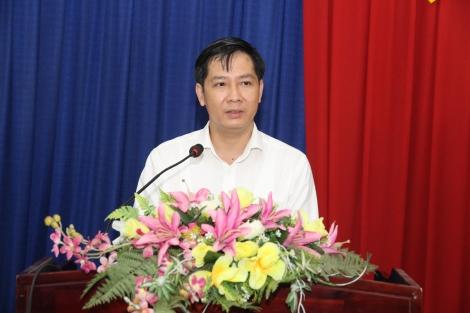Bí thư Tỉnh uỷ Nguyễn Thành Tâm tiếp xúc cử tri vận động bầu cử