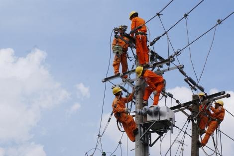 Tăng cường bảo vệ an toàn hành lang lưới điện cao áp