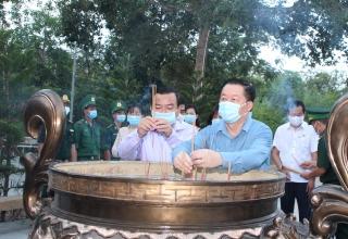 Trưởng Ban Tuyên giáo Trung ương thăm Đồn Biên phòng Tân Phú