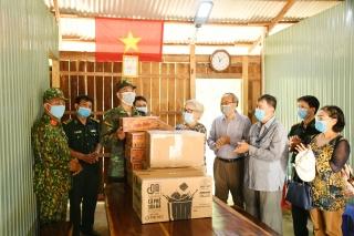 Bộ đội Biên phòng Tây Ninh: Tiếp nhận hỗ trợ của cựu học sinh sinh viên Sài Gòn – Gia Định và Quỹ Tình thương Việt