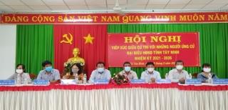 Tiếp xúc cử tri vận động bầu cử tại xã Tân Bình, huyện Tân Biên