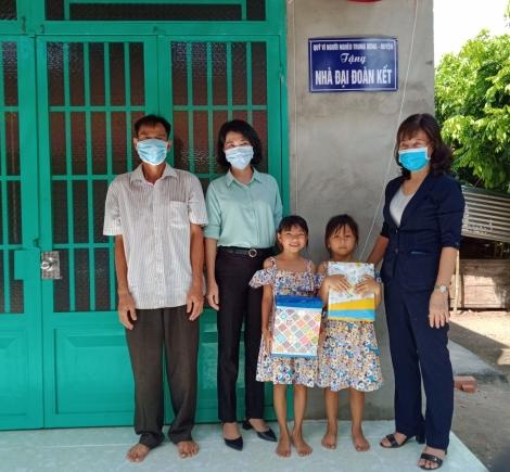 Dự lễ trao nhà Đại đoàn kết cho hộ cận nghèo huyện Dương Minh Châu