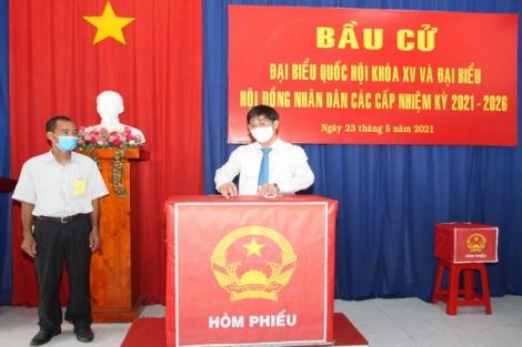 Cử tri Tây Ninh hân hoan đi bầu cử
